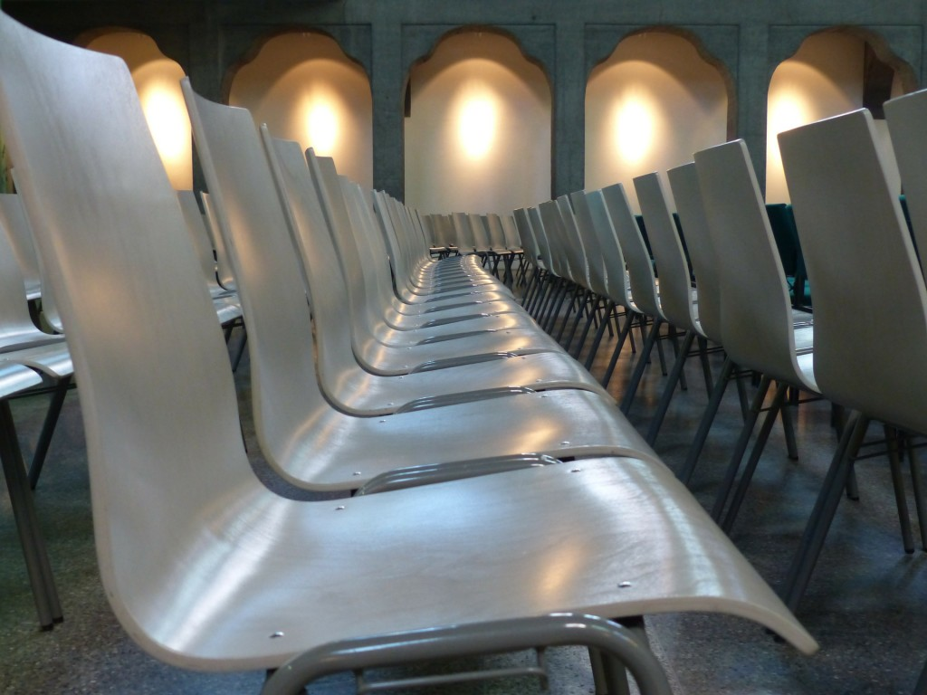 chairs-143253_1920